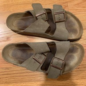 Birkenstocks- Arizona Soft Footbed- Suede (Unisex)